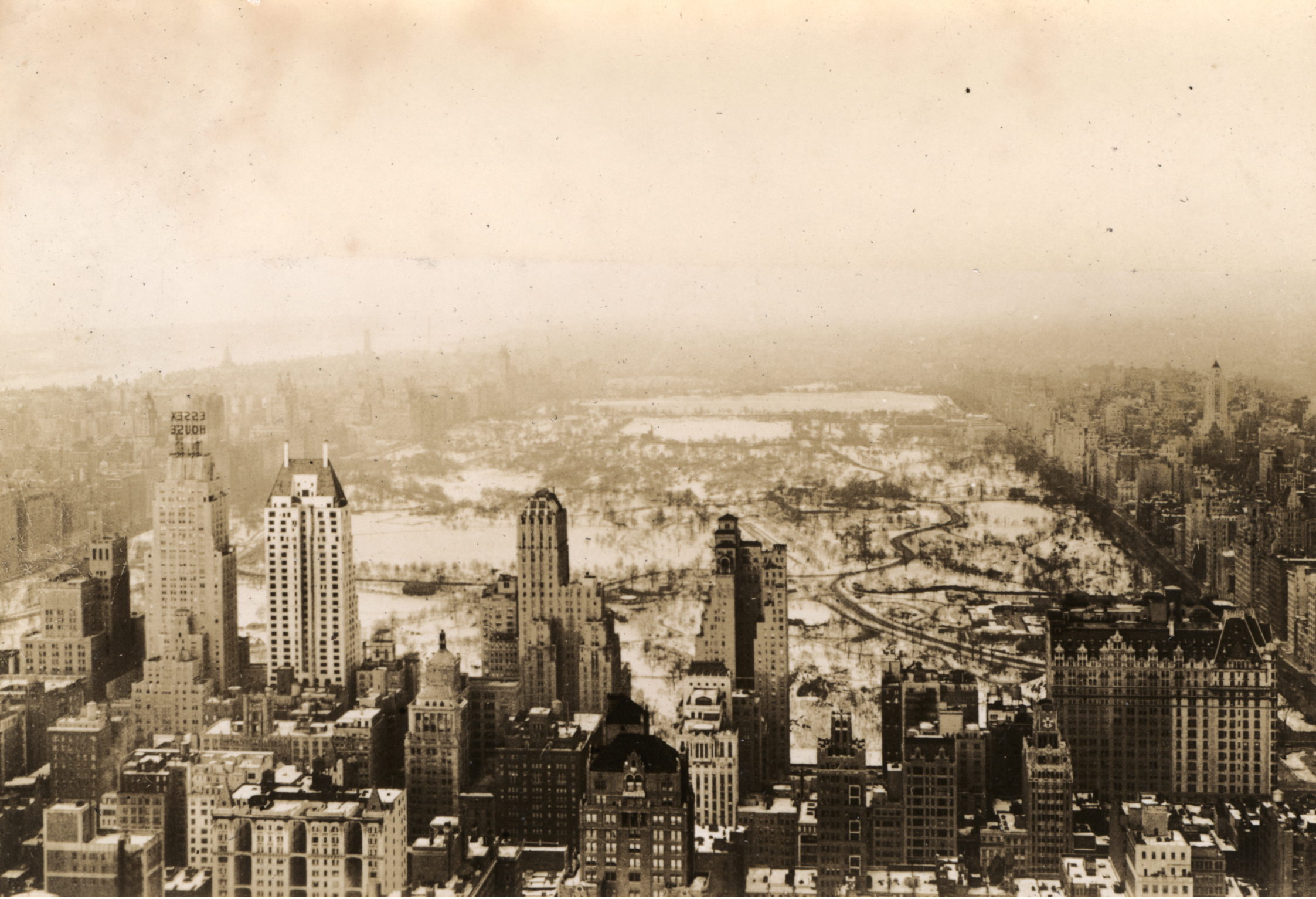 New_York_City_Central_Park_from_Rockefeller_Center_NIH