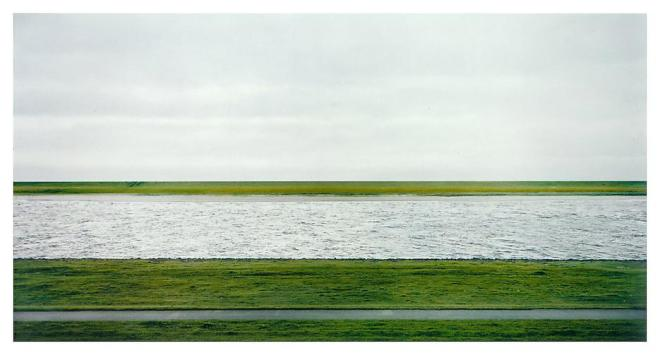 013_andreas-gursky_theredlist